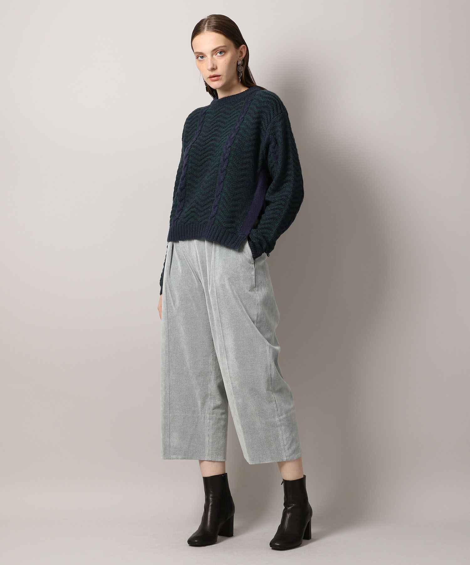 【先行予約10%OFF・送料無料】Cropped Corduroy Pants