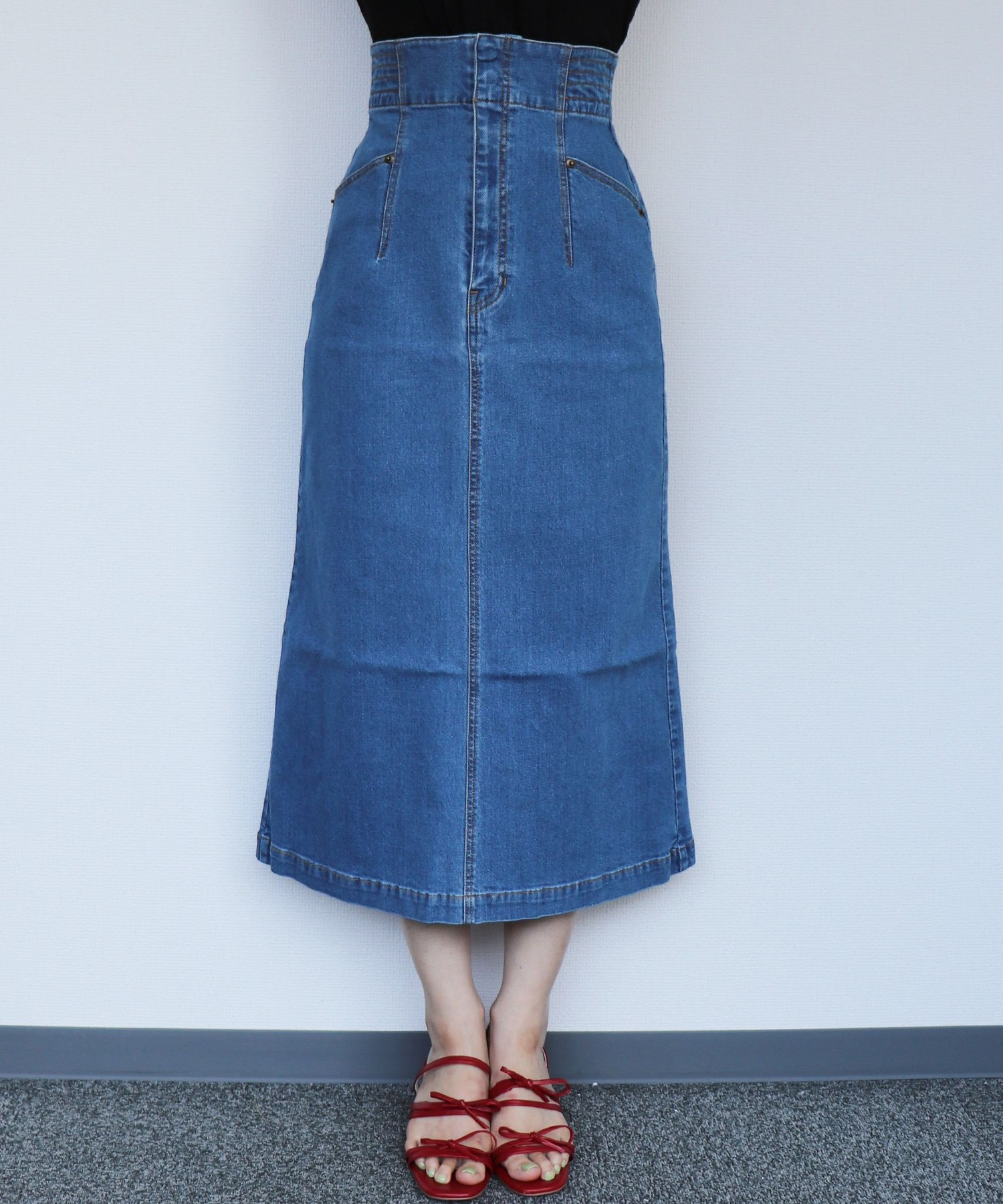 デニムタイトスカート