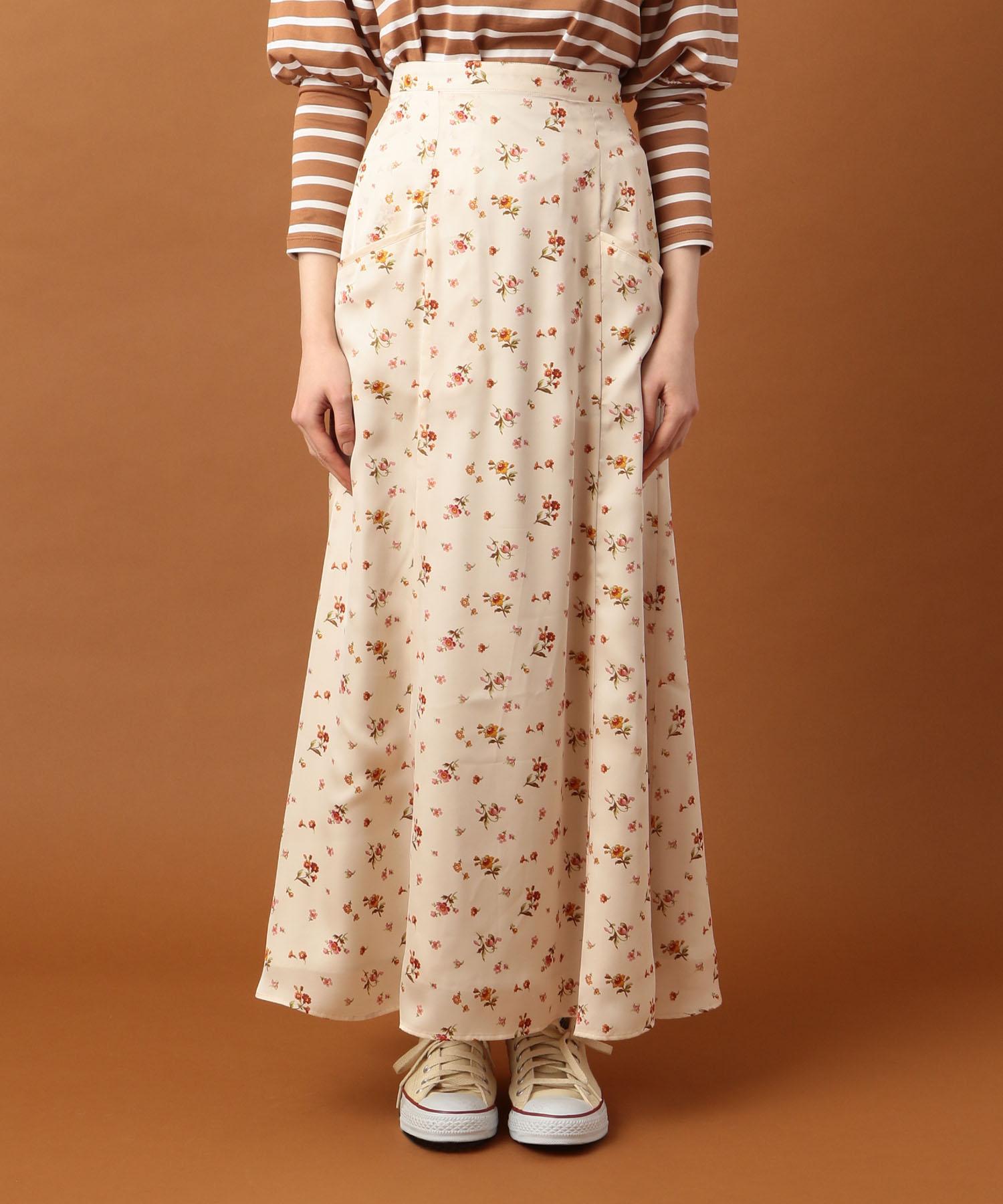 【Voce 2019年10月号掲載】グロッシーフラワースカート